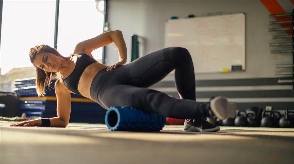 Упражнения для спины роликовый thumbnail