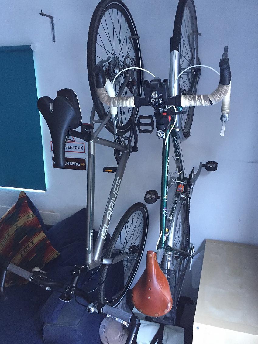 как хранить велосипеды в квартире