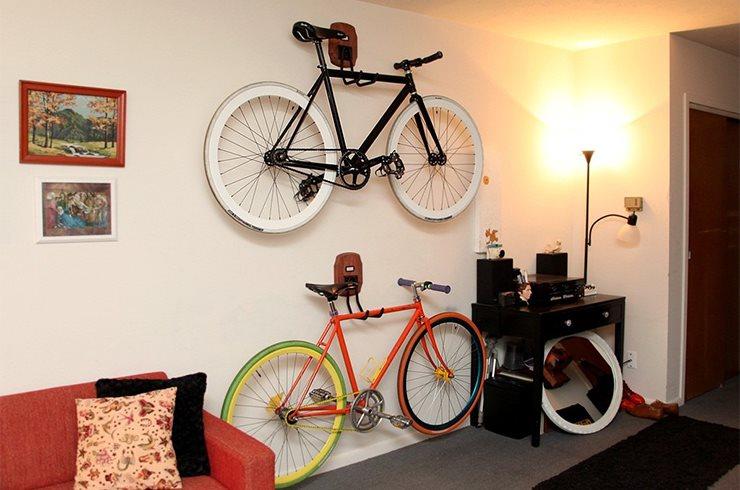 крепение велосипеда к стене