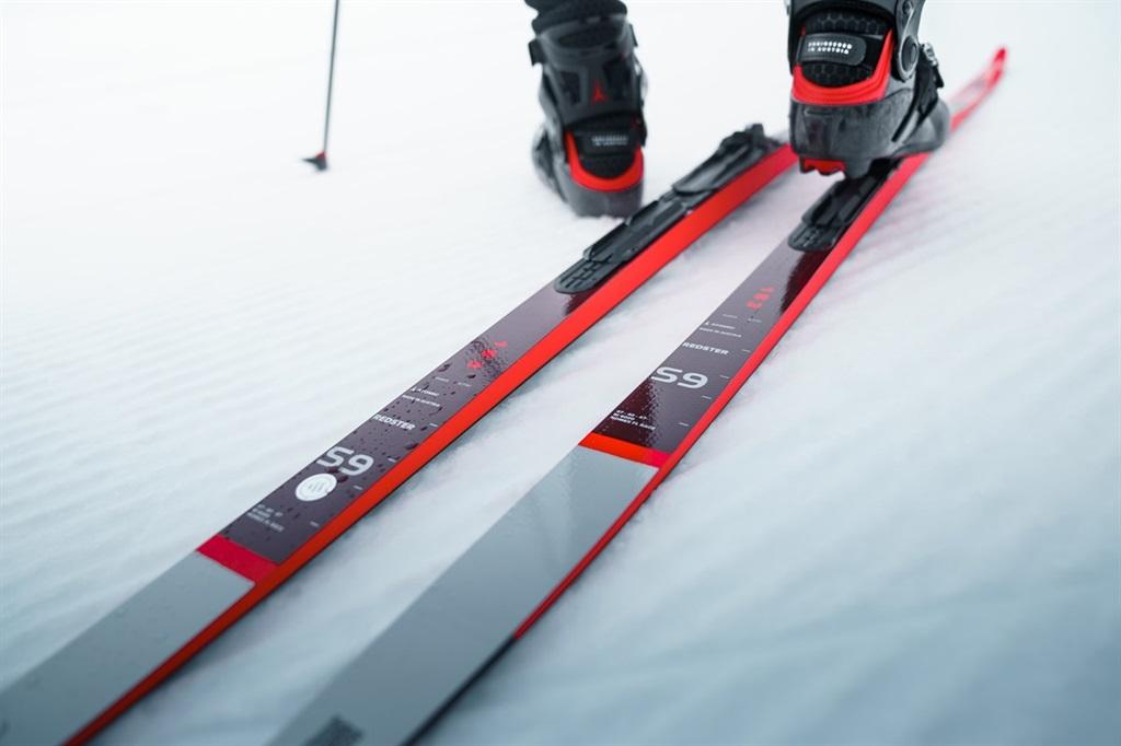 коньковые лыжи atomic redster s9 gen s
